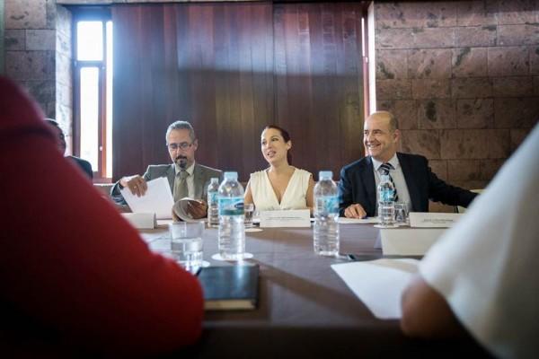 Patricia Hernández preside la cuarta reunión de trabajo para la reforma del REF económico. | ANDRÉS GUTIÉRREZ