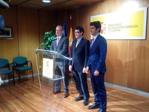 El consejero Pedro Ortega, Álvaro Nadal y el subsecretario Enrique Hernández Bento, ayer. | DA