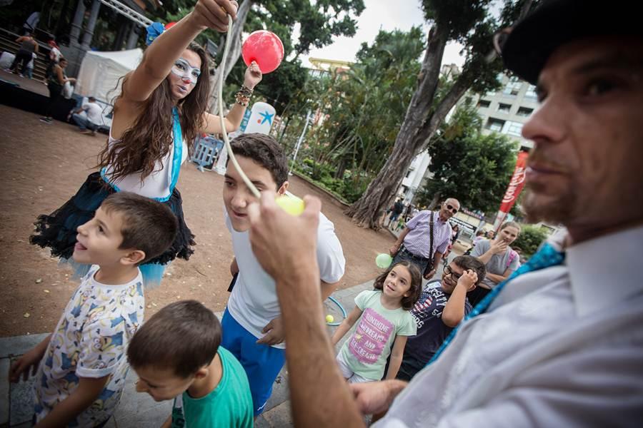Los menores de la casa disfrutaron de talleres y juegos desde las 11.00 horas. | A. G.