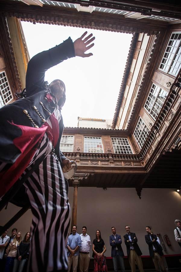 El Palacio de Carta acogió representaciones de piratas. | A. G.