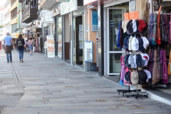 Vista parcial de una de las calles comerciales de Puerto de la Cruz. | S.M.