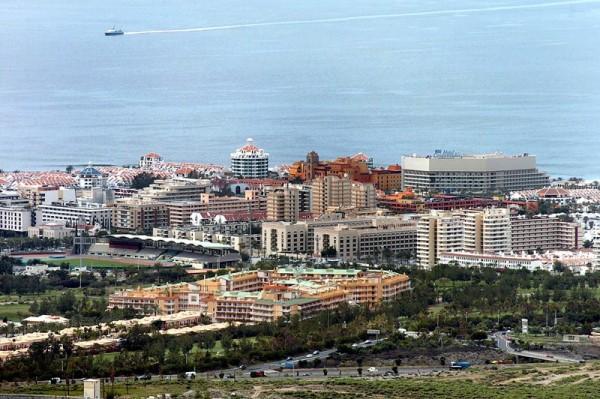 El 25% de las plazas turísticas de Canarias se concentran en el sur de Tenerife. / DA