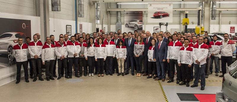 Mariano Rajoy durante su visita a las instalaciones de la empresa automovilística SEAT en Martorell. | DA