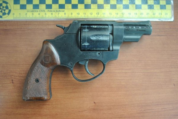 Arma utilizada en el robo. | CEDIDA