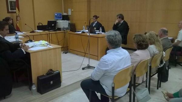 Las conclusiones de la acusación y la defensa, durante cinco horas, puso ayer fin al juicio. | NORCHI