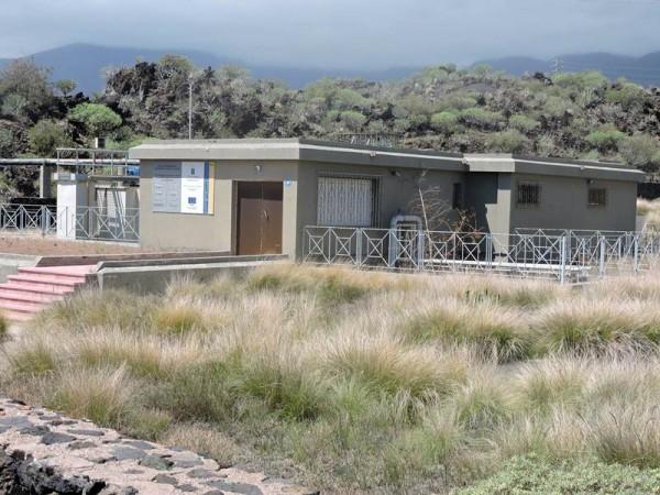 La depuradora comarcal que se construyó hace 20 años está hoy en estado de abandono. | NORCHI