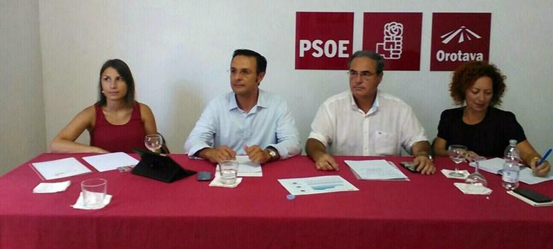 Jésica Hernández, Manuel González, Víctor Luis y María Jesús Alonso, ayer, durante la rueda de prensa. / DA