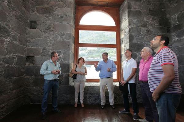 Visita de la consejera de Juventud y Patrimonio Histórico del Cabildo, Josefa Mesa. | EP