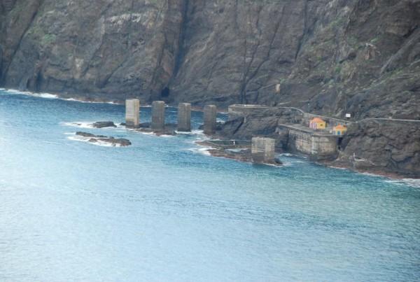 El Pescante se construyó en 1910, está en desuso desde hace medio siglo y hoy es una zona de baño. | DA