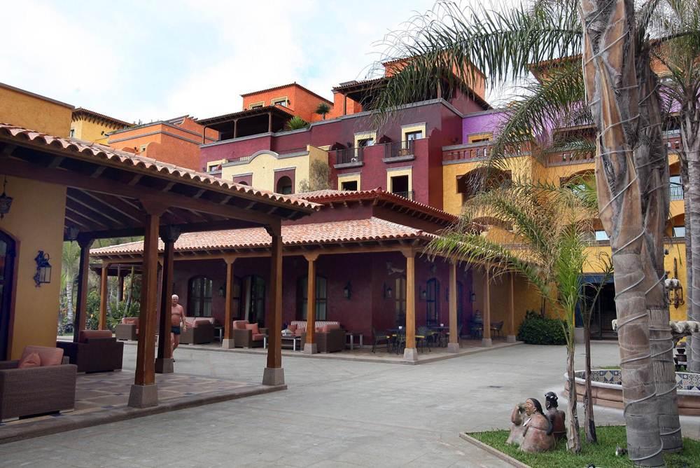 En el mismo solar se edificó el resort Villa Cortés.   DA