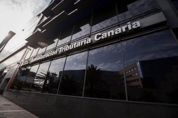 Fachada actual de la sede de la Agencia Tributaria Canaria en Santa Cruz de Tenerife. | ANDRÉS GUTIÉRREZ