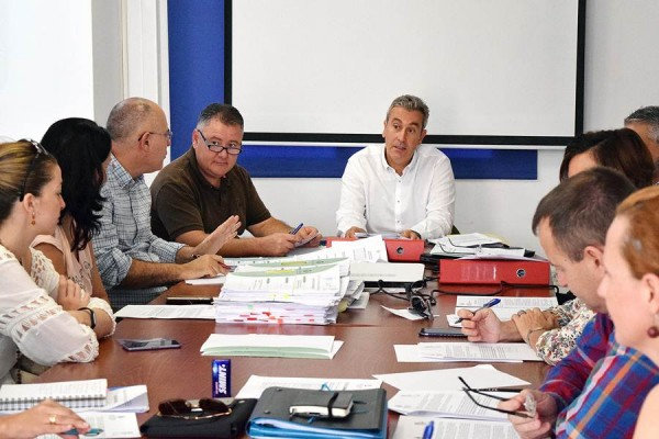 Óscar García presidió el Consejo Rector del IMAS celebrado ayer, en el que se aprobó el presupuesto. | DA