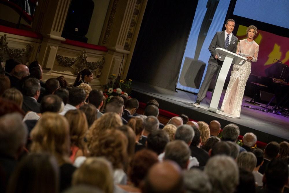 La gala, presentada por Juan Carlos Mateu y Leire González, contó con las actuaciones de Caco Senante, Taburiente y Los Sabandeños. / A.G.