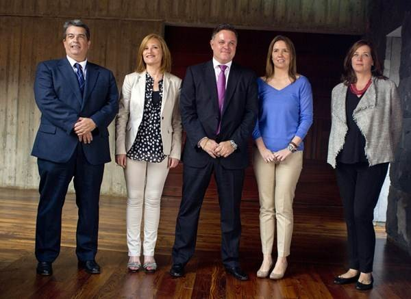 Alberto Padrón, María Álvarez, Santiago Negrín, María José Bravo y María Lorenzo, tras tomar posesión. | S. C.