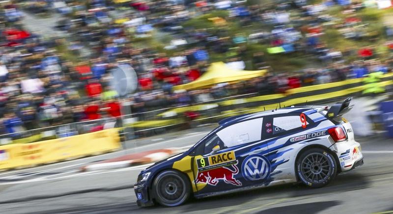 Andreas Mikkelsen durante un tramo del RallyRACC Catalunya. @World |