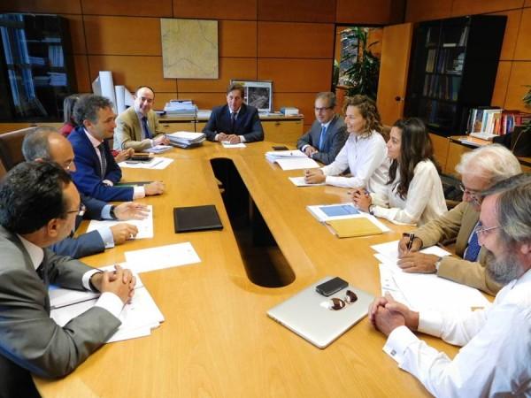 Reunión ayer en Madrid de la Comisión Bilateral Canarias-Estado en el Ministerio de Fomento. | DA