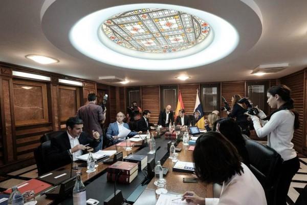 Foto de archivo de una reunión del Consejo de Gobierno, que ayer se reunió en la capital grancanaria. | DA