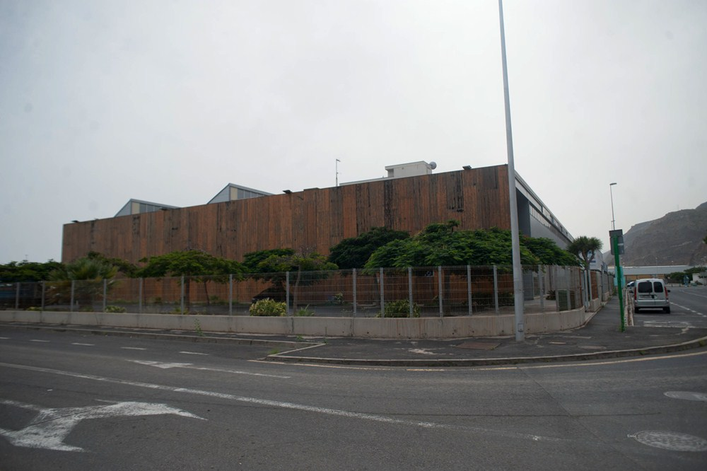 Las amplias y modernas instalaciones de Plató del Atlántico, en la Dársena Pesquera, albergarán en 2016 el periódico DIARIO DE AVISOS. / FRAN PALLERO