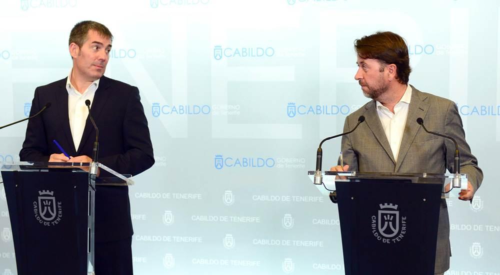 El Palacio insular acogió en la tarde de ayer la reunión entre Fernando Clavijo y Carlos Alonso, que se prolongó durante casi una hora. | S. MÉNDEZ