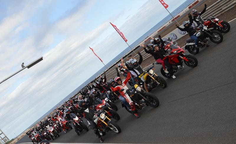 Foto Oficial Ducati Day motociclismo