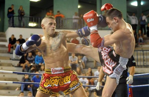 Isaac Araya, durante un combate celebrado en el Pancho Camurria. | SERGIO MÉNDEZ