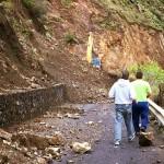 Mantenimiento de El Cabildo ya trabaja en la carretera de Las Cabezadas. | DA
