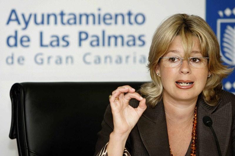 Pepa Luzardo, diputada del Grupo Popular en el Parlamento de Canarias. / DA