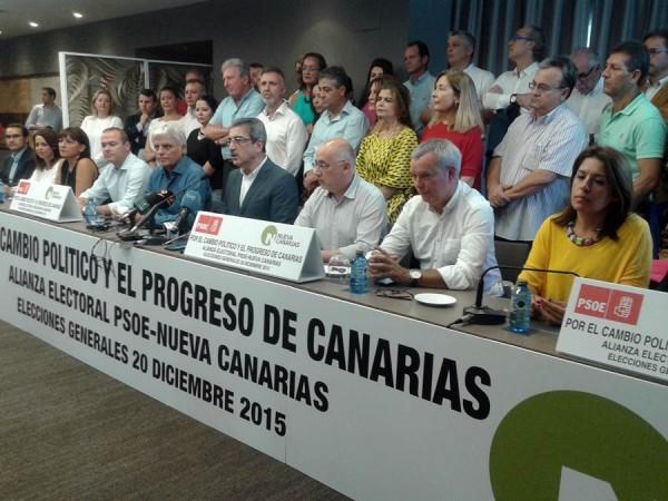 Los máximos responsables de ambas formaciones sellaron el acuerdo en un concurrido acto celebrado en la mañana de ayer en Las Palmas. | DA