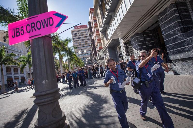 Las calles de Santa Cruz se han transformado para la saga Bourne. / A.G.