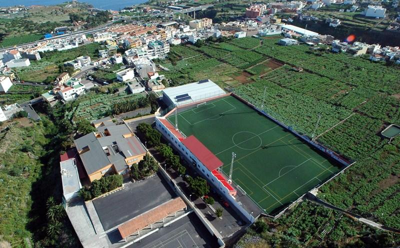 El colegio San Fernando no tiene conserje, igual que el resto de centros educativos del municipio. / M.P.P.