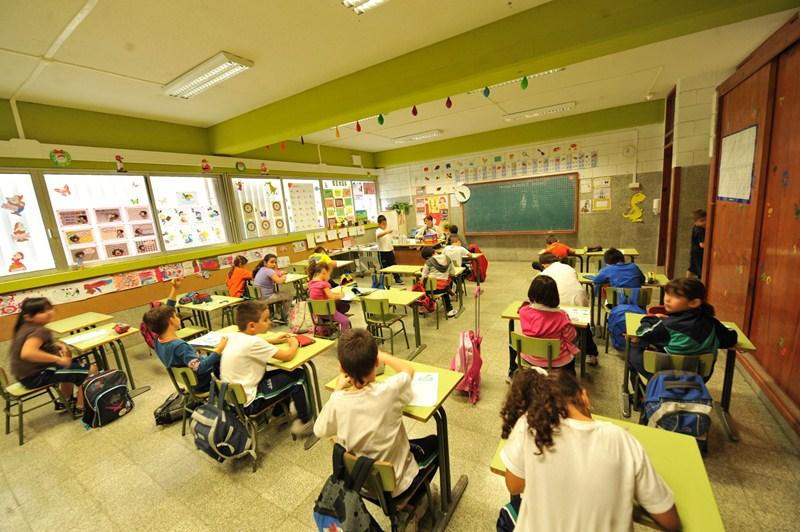 Numerosos centros escolares del Archipiélago carecen todavía de docentes en determinadas materias. / F.P.