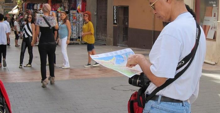El turista europeo gasta en siete días lo que un asiático en una compra