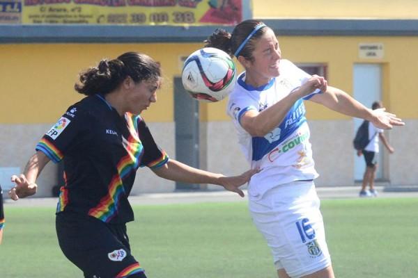 Una acción del partido jugado por las tinerfeñas ante el Rayo. | S.M.