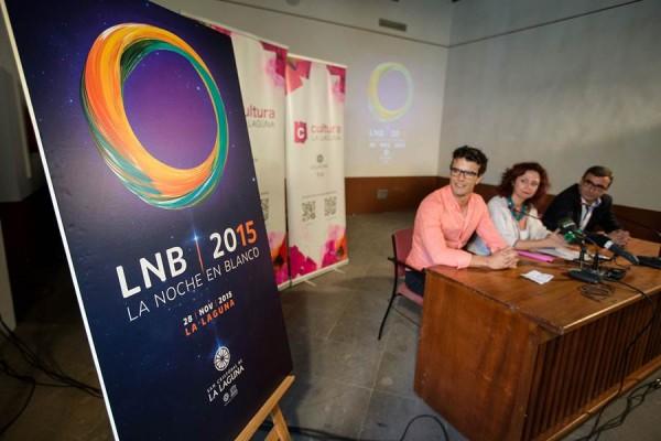 Yeray Rodríguez (i), María José Castañeda y Javier Abreu presentaron el cartel de la Noche en Blanco. | A. G.