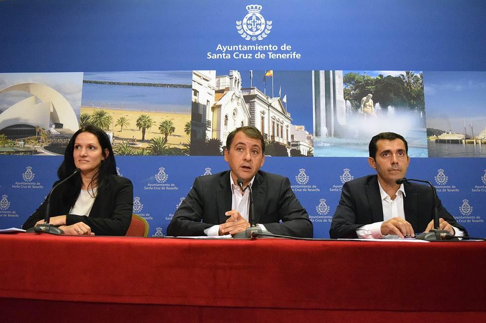 Zaida González, José Manuel Bermúdez y Juan José Martínez, ayer durante la rueda de prensa. | DA