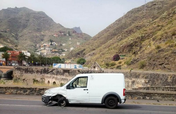 Estado en el que quedó uno de los vehículos. | LOS JARDINER@S