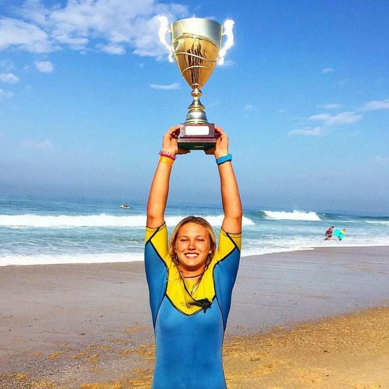 Alexandra Rinder celebra el triunfo  y lo comparte en sus redes sociales. / FACEBOOK