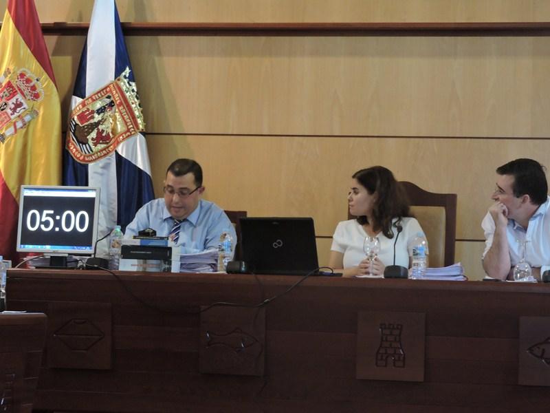 Para el secretario municipal, Octavio Fernández, la anulación se produce por no hacerle caso. / NORCHI