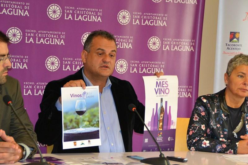 José Alberto Díaz (centro) presentó ayer la propuesta junto a Ismael Díaz y María Paz Gil. / DA