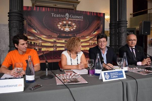 (Izq. a dch) El director del festival, Brian Rodríguez; la directora general de Cultura del Gobierno de Canarias, Aurora Moreno; José Carlos Acha y Juan Antonio López. | DA