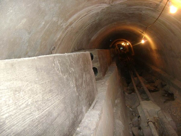 Las obsoletas tuberías se han cambiado por otras que permitirán un mayor caudal de agua. | DA