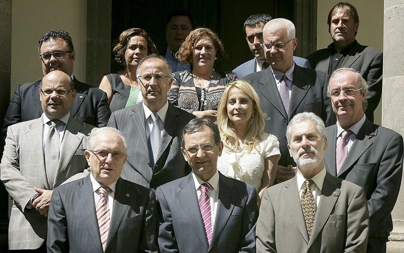 El CEI Canarias obtuvo el respaldo unánime del Parlamento regional. / DA