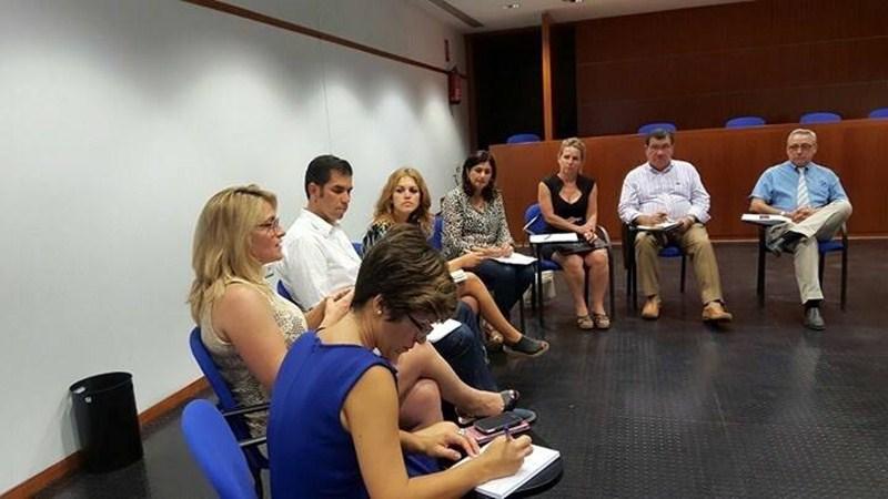 La alcaldesa de Güímar y los portavoces del PP de Candelaria y Arafo se reunieron con los empresarios. / DA