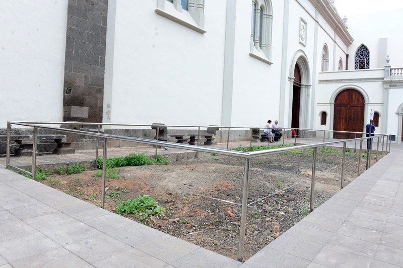 Los restos arqueológicos se encontraron durante las obras de remodelación de la plaza. / SERGIO MÉNDEZ