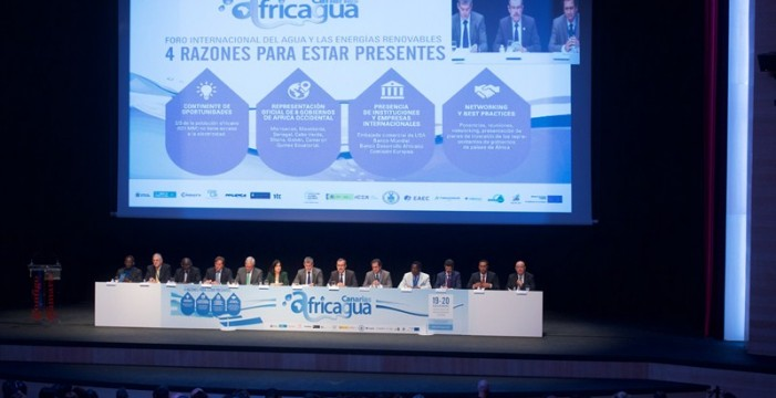 África busca inversores en las Islas para proyectos de energía y agua
