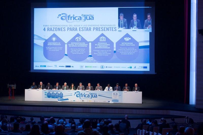 Imagen de la inauguración del foro Africagua 2015, en el Palacio de Congresos de Fuerteventura. / DA