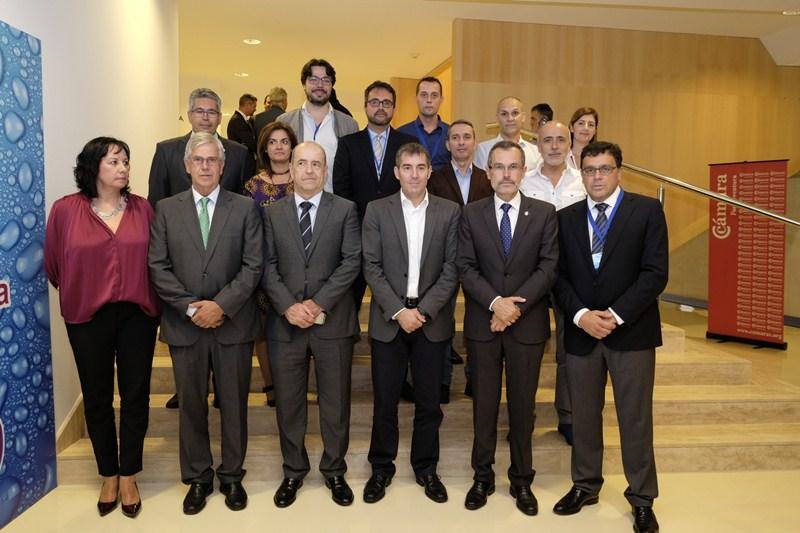 Foto de familia del presidente del Gobierno con los emprendedores. / DA