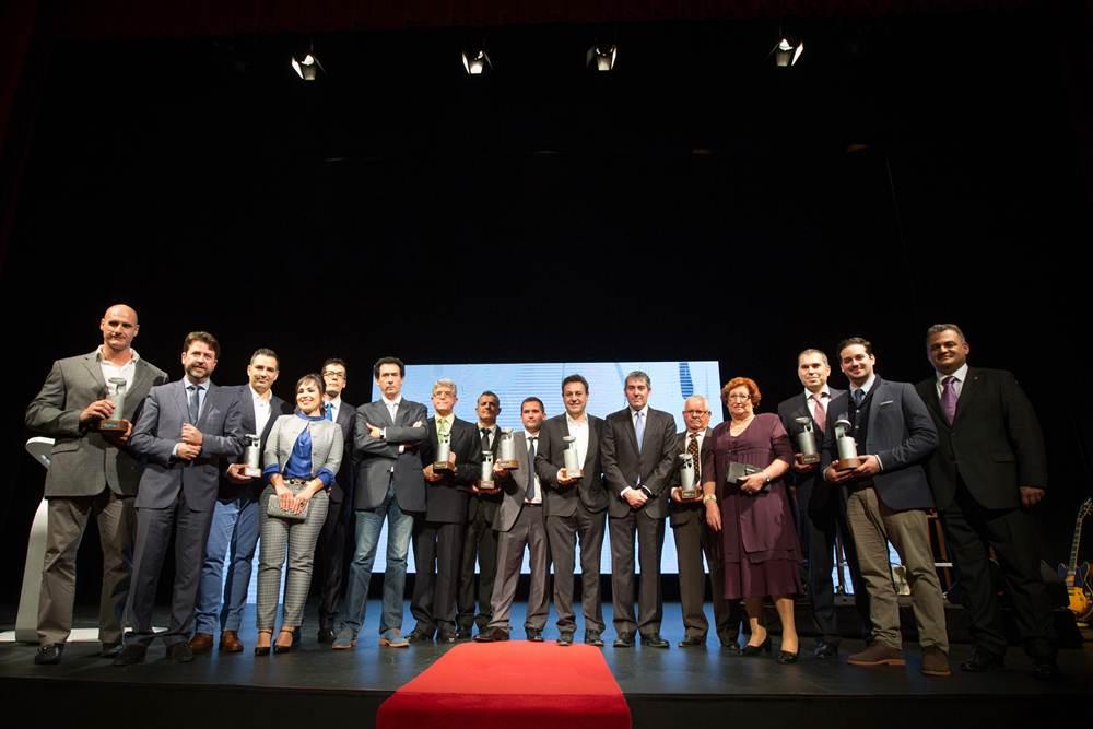 Foto de familia de los premiados en esta 30 edición de los Premios Gastronomía. | ANDRÉS GUTIÉRREZ