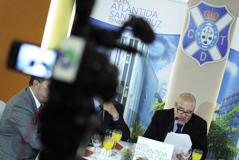 El presidente hizo balance de la actualidad antes de someterse al interrogatorio de los periodistas. / ANDRÉS GUTIÉRREZ