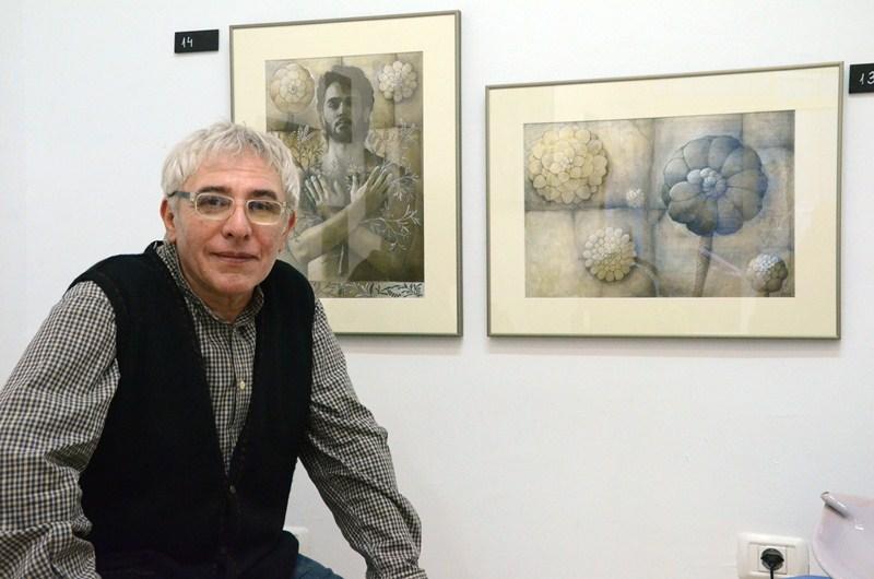 Domingo Vega,  pintor. Expone en  la galería Marvick de Santa Cruz. / VÍCTOR PÉREZ